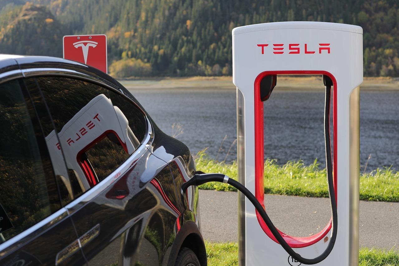 incentivi auto elettrica Lombardia